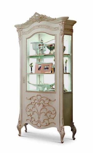 Bakokko_Vittoria-Одностворчатая-витрина-в-классическом-стиле-резный-ажурный-декор_4601DX